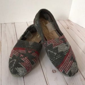 Toms fuzzy lined flannel shoes